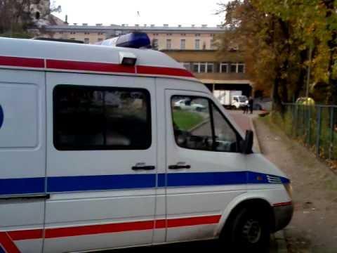 Śmigłowiec TOPR Ląduje W Szpitalu Uniwersyteckim W Krakowie