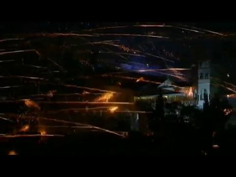 Intensiva guerra de cohetes Intense Firework War
