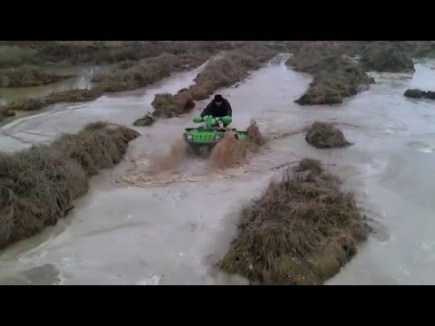 Arctic Cat 650 V2 water mudding wheelie can am, yamaha, kawasaki 2