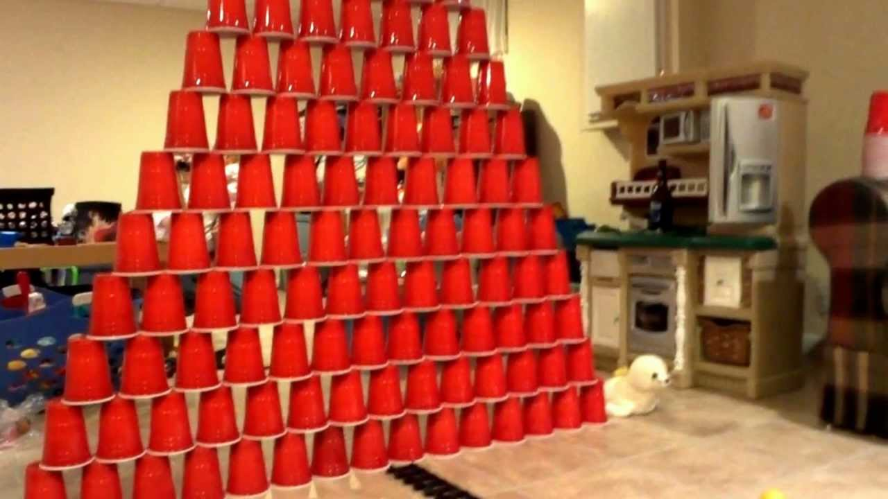 Lionel Polar Express toy train vs 7 ft Cup Tower - YouTube