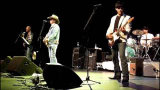 Watch Dwight Yoakam Dim Lights Thick Smoke video
