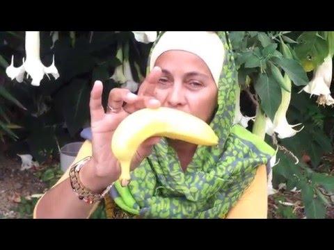 Ramadan Get Ready - BANANAS...AND CANCER by Karimah Bint Dawoud/Filmed By Oliver Watson