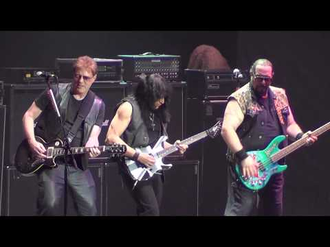 Twisted sister - We're not gonna take It (Chile 2013)