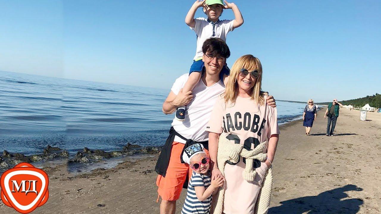 Алла пугачева с детьми в юрмале 2018 фото