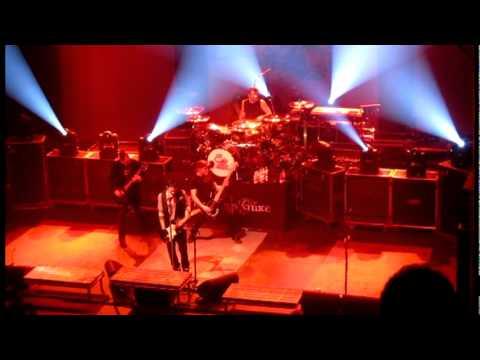 Three Days Grace - The Chain