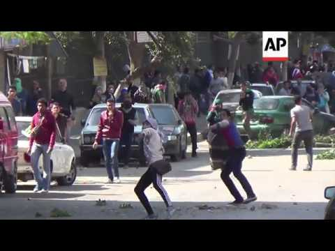 Clashes erupt between pro-Morsi students and police
