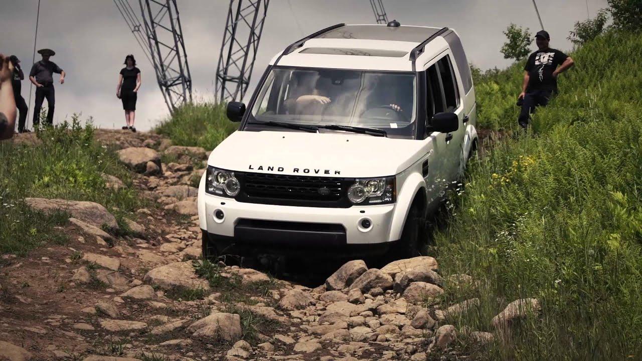 Range Rover Lifted >> Jeep Wrangler vs Land Rover LR4 - YouTube