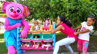 Esma and Asya Pretend play toy doll shopping fun kid video