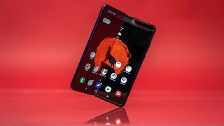 Samsung Galaxy Fold is Better Than Your Smartphone!