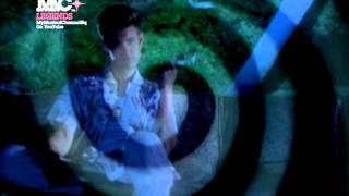 Watch Chris Isaak Dancin video