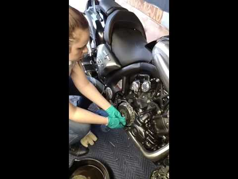 2009 Vmax Clutch replacement fun.