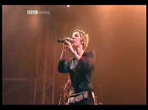 Faithless - Crazy English Summer - Live at Glastonbury 2002