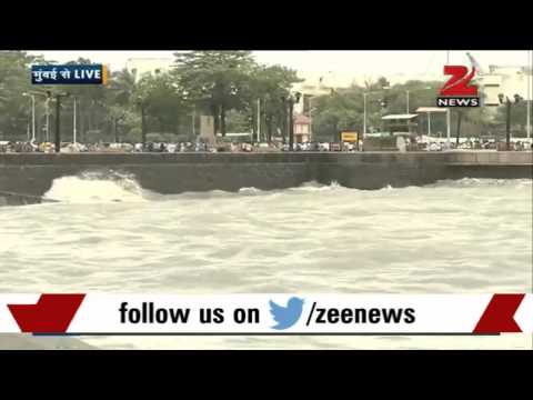 High tide in Mumbai relaxes