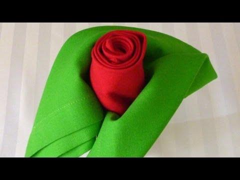 Hur man viker en ros av servetter