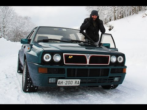 First day of snow (men vs women) - Inserito da Davide Cironi il 27 marzo 2015 durata 4 minuti e 38 secondi - When the winter comes women want to stay warm at home, have a cup of some oddity and watch a cartoon with their men. Men just want a Delta Integrale Evoluzione.
