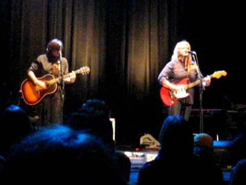 Indigo Girls - True Romantic
