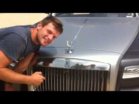 Rolls Royce Ghost The flying lady pop up system Video