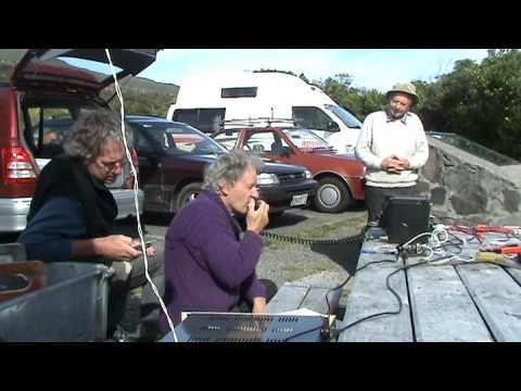 Amateur radio - Steve ZL1TPH to Ted ZL2IP on 1296 MHz ~ 551km ~ 2009