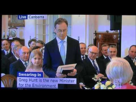 Bob Irwin sees Greg Hunt MP sworn in as Environment Minister September 19, 2013
