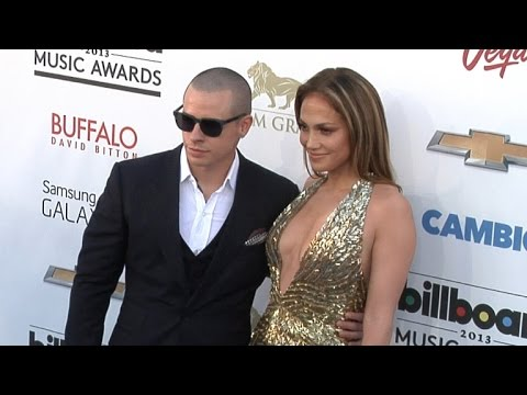 Jennifer Lopez and Casper Smart Are Back Together!