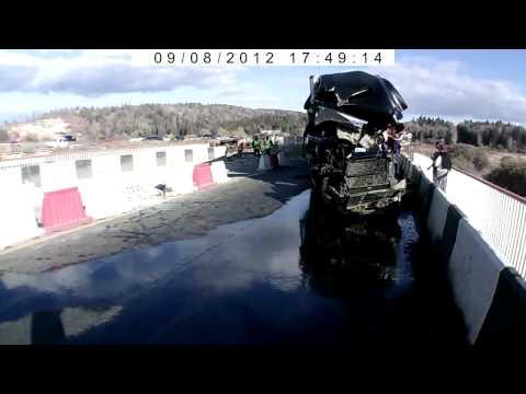 Массовая авария на ремонтируемом мосту [2 ВИДЕО]