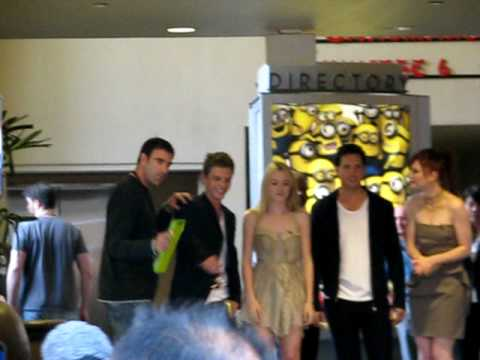 Twilight Eclipse Ashley Greene, Peter Facinelli, Dakota Fanning, & Cameron Bright on Hollywood Blvd.