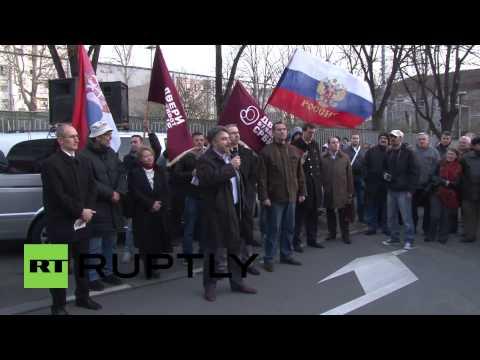 Serbia: 'Crimea is Russia, Kosovo is Serbia' declare protesters