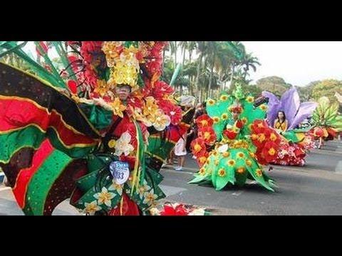 Festival Bunga - Malang Flower Festival 2013. Fashion Show bermotif Bunga, Parade di Catwalk Jalanan