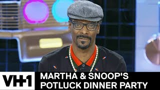 Snoop Dogg Smoked In the White House & More Ballsy Stories | Martha & Snoop's Potluck Dinner Party