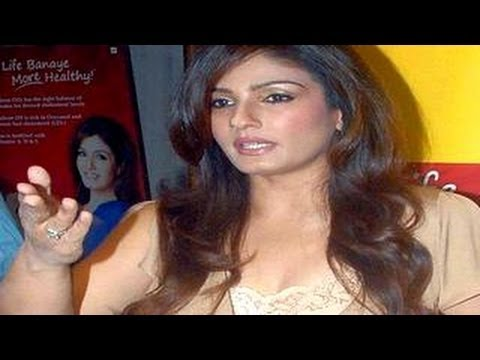 Raveena Tandon Molested By Stalker! video