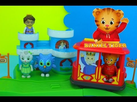 Daniel Tiger's Neighborhood Neighborhood All-in-1 Playset with prince wednesday
