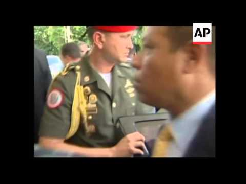 Chavez arrives for talks on energy and Mercosur