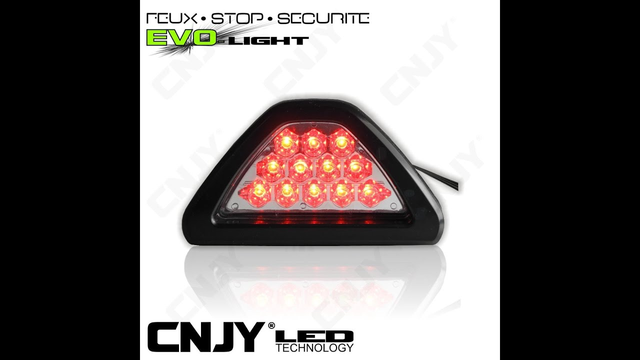 3eme feux stop led cnjy clignotant rouge triangle 12v auto moto universel youtube. Black Bedroom Furniture Sets. Home Design Ideas