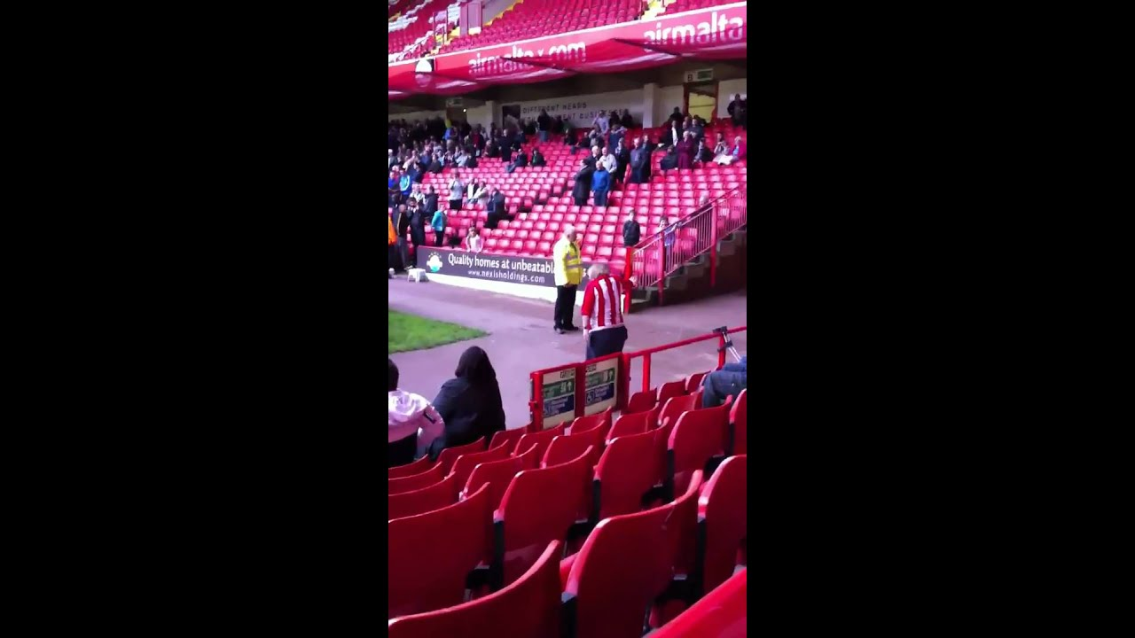 United Fans Funny Sheffield United Fan Dancing