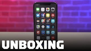Unboxing the iPhone XS Max
