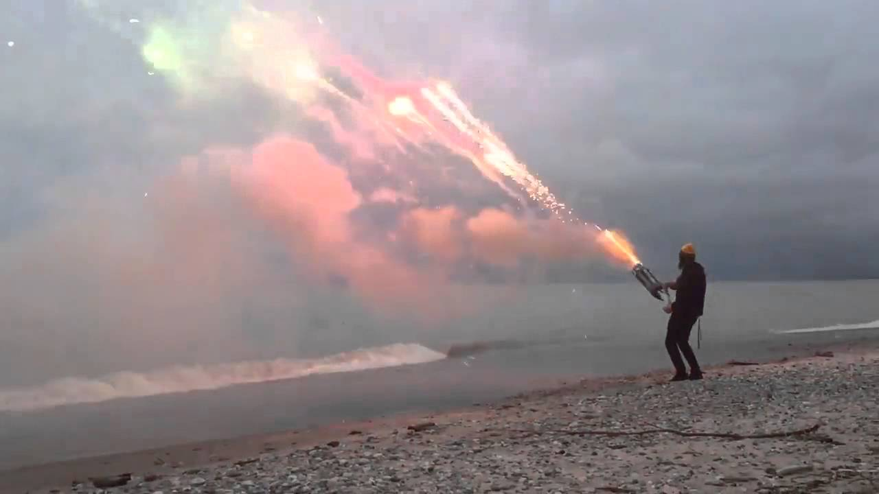 [Badass Roman Candle Minigun Shoots More Than 1,000 Rounds In 45 Seconds] Video