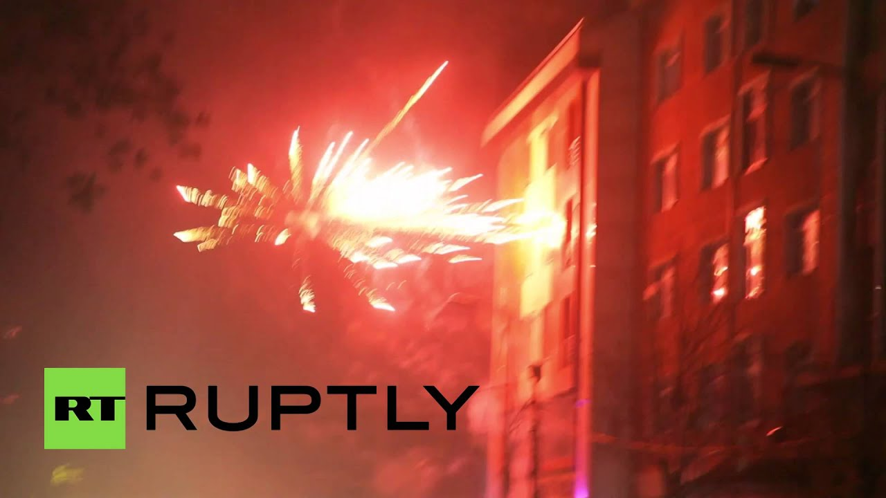 Fierce Clashes: Protesters throw fireworks at Turkish police during pro-Kurdish demo