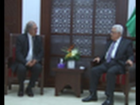 President Abbas Meets the President of the International Federation of Journalists Jim Boumelha