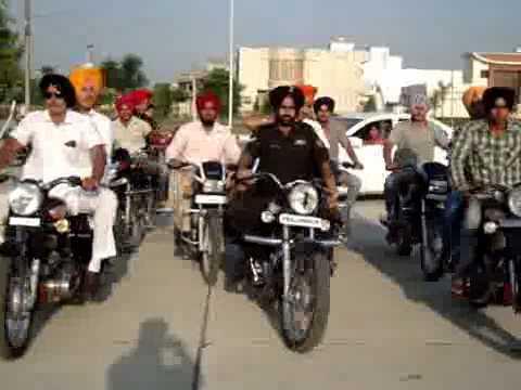 Bullet Stunt In Punjab Turban Tying On Bike Turban Coach Ferozpuria (bathinda)94635-95040 video