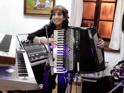 beatriz y su acordeon 2.MP4