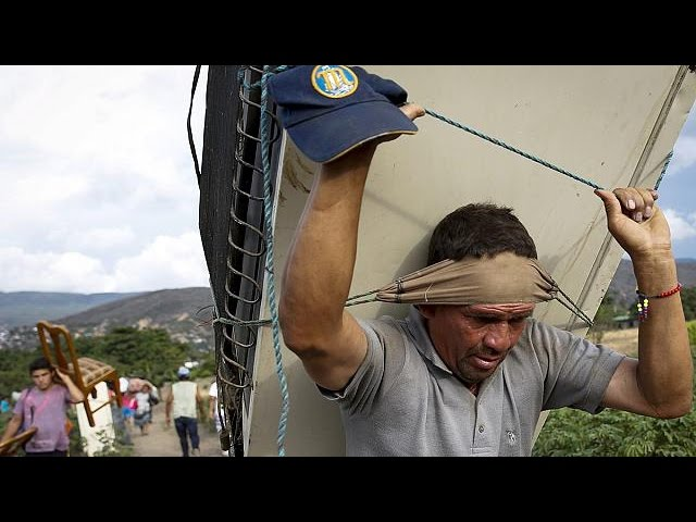 Venezuela-Colombia row drives out poor border residents