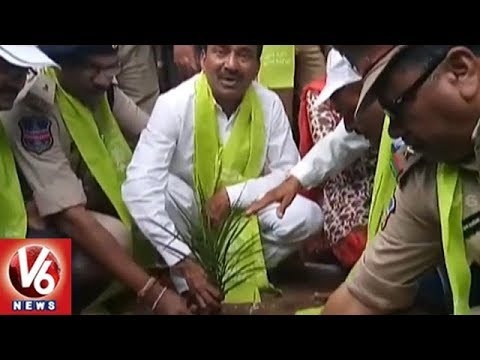 Minister Etela Rajender Plants Saplings At Veenavanka Village | Karimnagar | V6 News