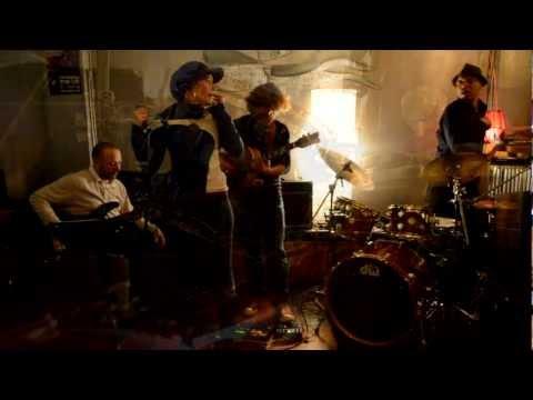 2Five9 Trio @ Verona Cafe - All Blues feat. Caitlin Smith