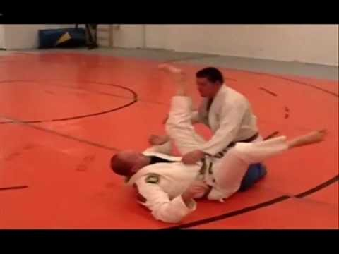 BJJ Techniques: Hip Shift Armbar from Closed Guard Image 1