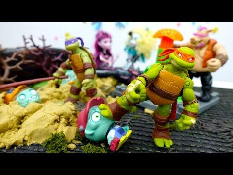 Игры для мальчиков #ЧерепашкиНиндзя против Зомби! Спасаем кукол #МонстрХай! Видео про игрушки