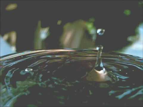 Awesome water drop in UltraSlo motion