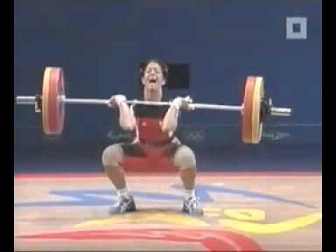 Beim Gewichtheben Geschissen    Shitting In Weightlifting video