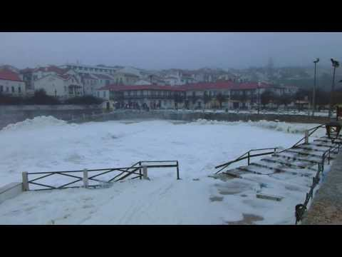 Hercules Atlantic Storm hits west of Portugal -  S�o Pedro de Moel