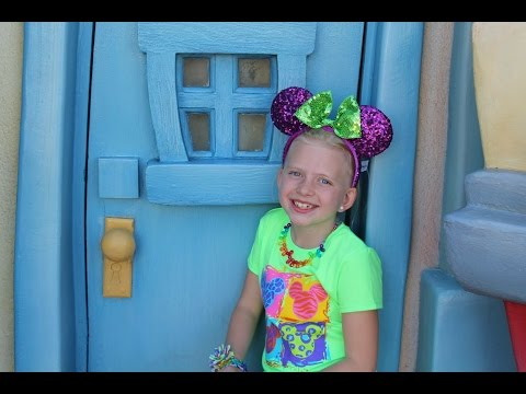 Inside Disneyland--Toon Town Tour!!