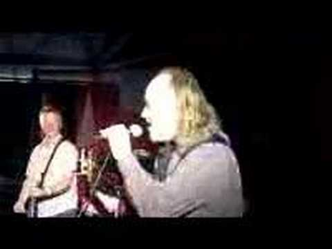 Bill Bailey and Billy Bragg sing 'Unisex Chipshop'